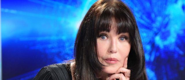 Isabelle Adjani refuse de jouer Valérie Trierweiler - Gala - gala.fr