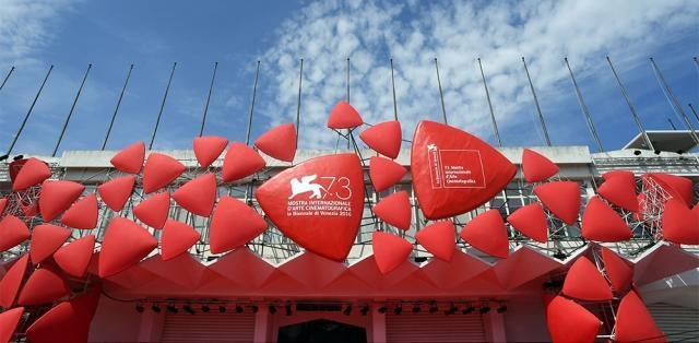 Mostra de Venise 2016 : 73 ans, et toujours aussi séduisante ... - telerama.fr