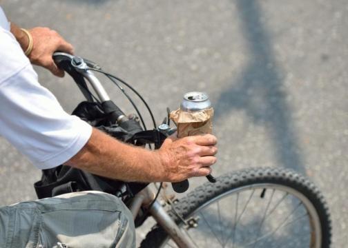 Policja zapowiada mandaty dla rowerzystów za łamanie prawa drogowego