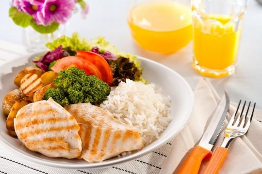 Como não pode faltar, a dieta é fator relevante na saúde e forma.