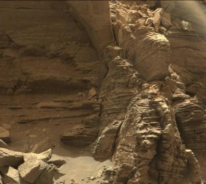 Vue en gros plan de roches finements taillées