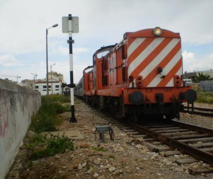 A circulação de comboios já foi restabelecida.