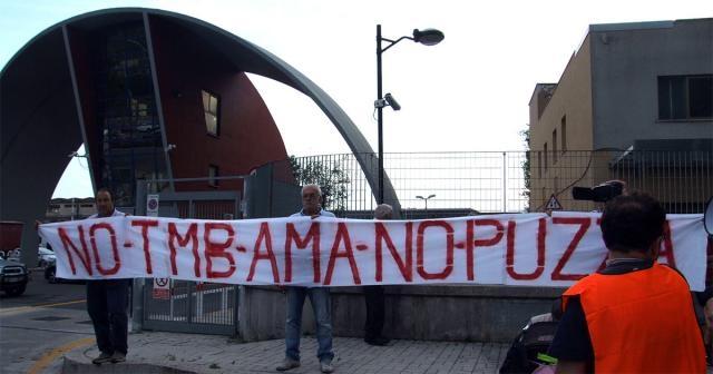 Proteste davanti l'impianto di trattamento meccanico-biologico dei rifiuti