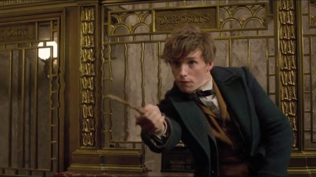 FANTASTIC BEASTS AND WHERE TO FIND THEM Casts a New Muggle, Plus ... - nerdist.com