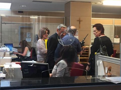 Affanno negli uffici municipali per iniziare il rilascio della Cie