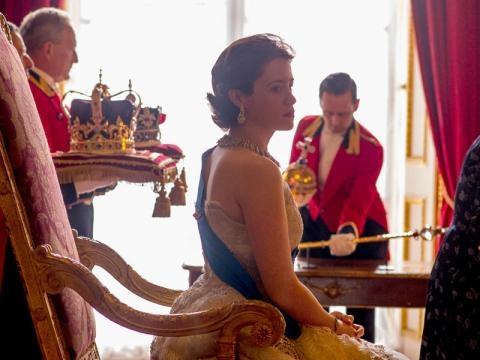 The Crown la serie tv sulla Regina Elisabetta II nelle foto e nel ... - elle.it