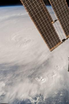 Matthew visto dalla Stazione Spaziale Internazionale. Crediti: NASA.