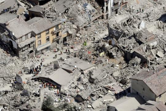 Le rovine che restano del centro storico di Amatrice