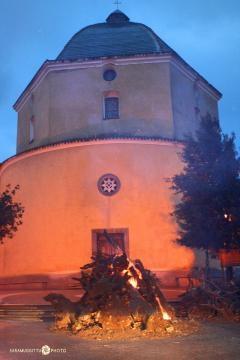 La chiesa di Loreto a Mamoiada e il falò