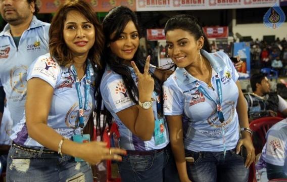 CCL 6 - Celebrity Cricket League 2016 - sports24hour.com