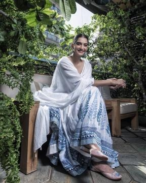 Sonam Kapoor in traditional Indian dress