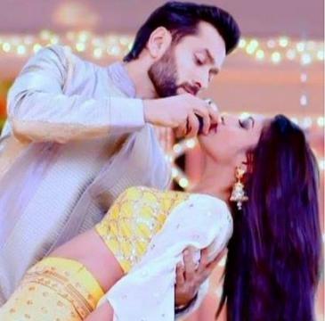 Shivaay (Nakul Mehta) and Anika (Surabhi Chandana) (Youtube screen grab)
