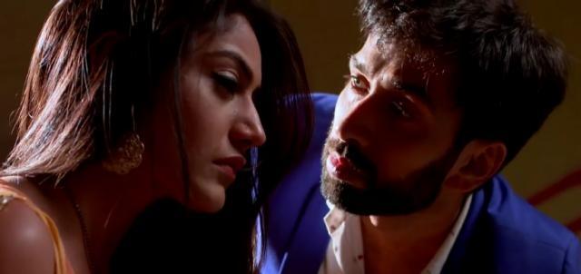 Anika and Shivaaaya in Ishqbaaz (Youtube screengrab)