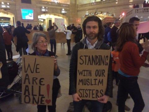Demonstranten, die von der betrogenen wurden, die sie unterstützten