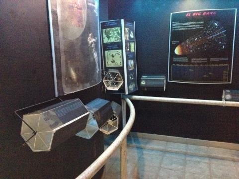 Instalaciones con implementos y referencias info gráficas en el Museo de San Lucas.