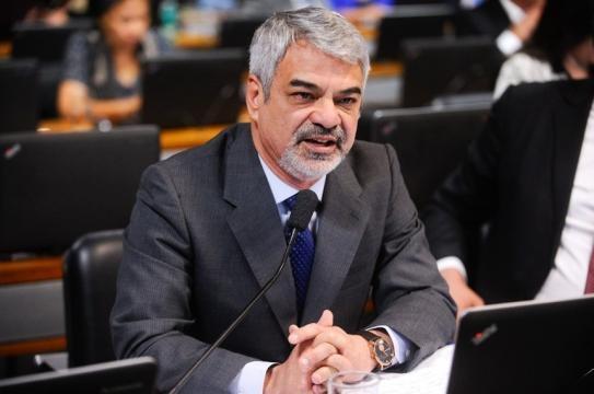 Senador pernambucano, Humberto Costa (PT)