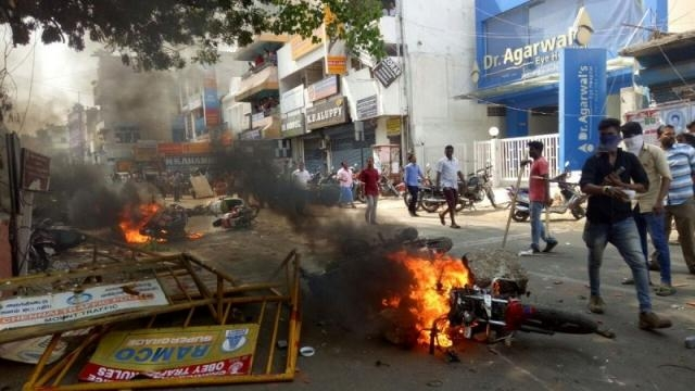 Mob violence breaks out in Chennai