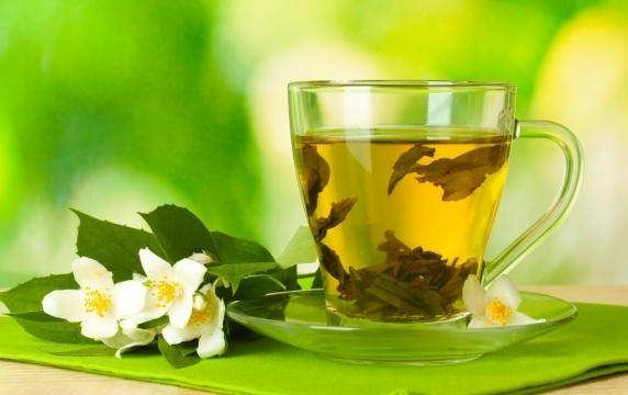 Té verde: Cuánto tomar y quiénes deben tener cuidado con su consumo - saludplena.pe