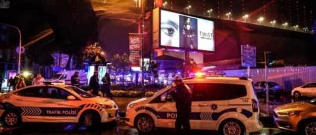 L'intervento della polizia turca dopo l'attentato di Capodanno ad Instanbul