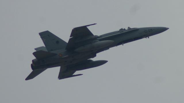 El F-18 mantiene una destacable capacidad operativa pese a su veteranía.