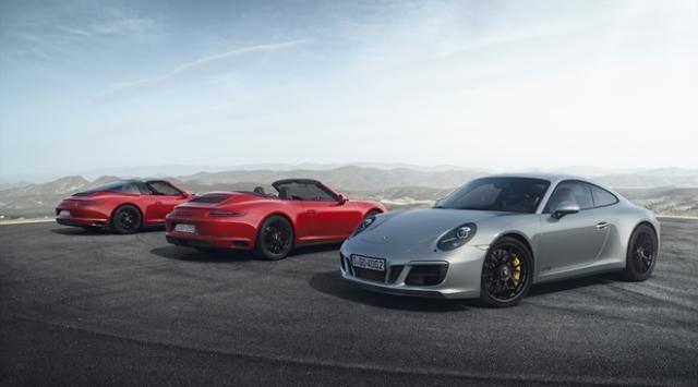 Novas versões do Porsche 911 GTS são cupê e conversível do Carrera e Carrera 4, além do Targa