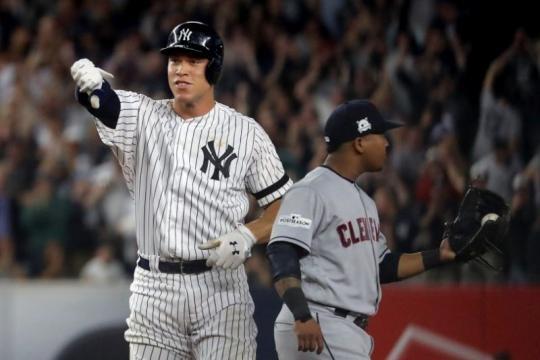 Aaron Judge sigue ponchándose mucho en la serie pero tuvo el hit clave el lunes. Yahoo Sports.com.