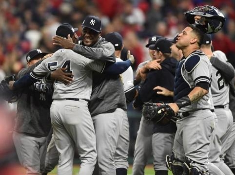 Los Yankees están a un paso de llegar a la Serie Mundial e ir por el título 28 del equipo. NY Daily News.com.