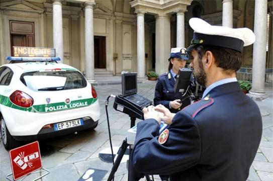 Una dimostrazione della polizia locale - segrateoggi.it
