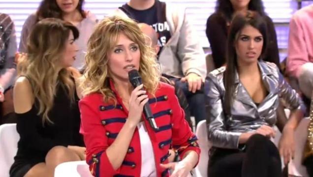 Emma García hablando en un programa de MYHYV