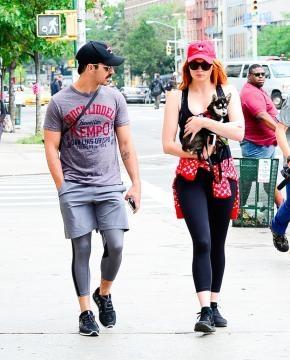 Sophie Turner e Joe Jonas a passeggio con il loro cane