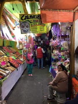 El mercado de Jamaica de noche. - Foto del autor.