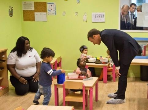 Pour Macron, la lutte contre la pauvreté passe par les enfants et ... - liberation.fr