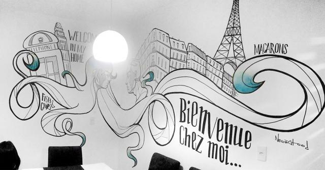 Decoração com wall painting na sala de jantar (Divulgação).