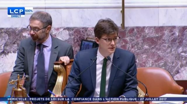 À seulement 28 ans, le député sacha houlié remplit parfaitement ... - scoopnest.com