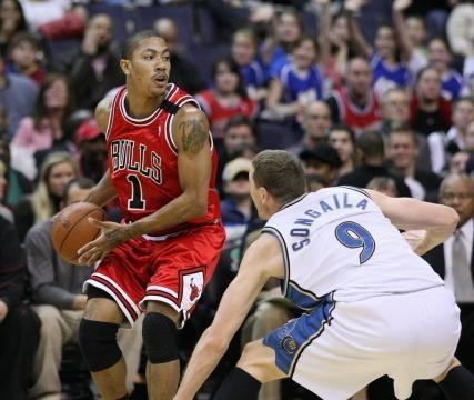 Derrick Rose suffered another injury. Image Credit: Keith Allison / Flickr