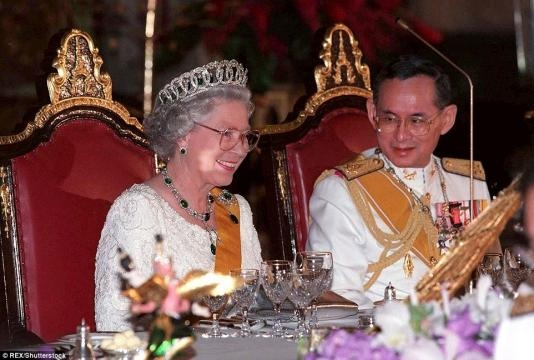 Thailand's King Bhumibol dead aged 88 | Daily Mail Online - dailymail.co.uk