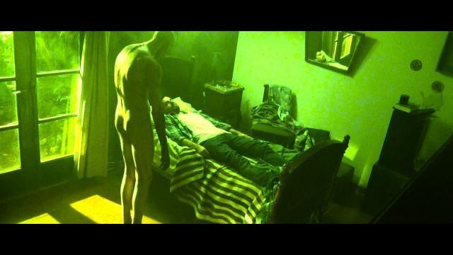 Damián Rugna se hace presente reimaginando el terror paranormal.