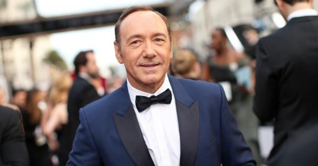 Dopo le accuse di molestia, Kevin Spacey fa coming out | Radio Deejay - deejay.it
