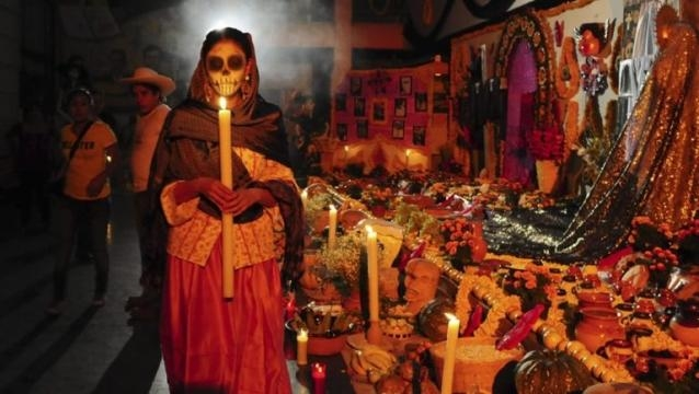 Ofrenda de Día de Muertos (Vía Iinternet)