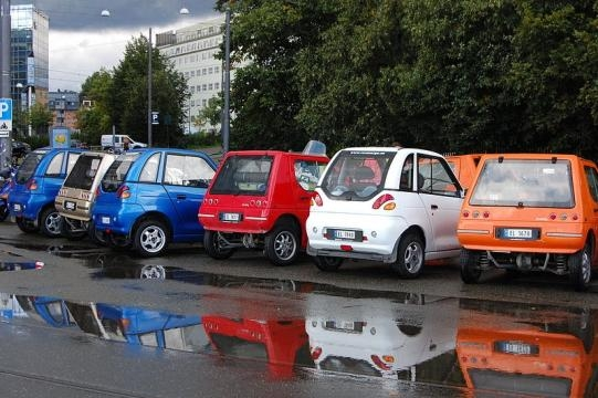 Buddy and Reva electric cars parked in Oslo, Norway (Image credit - Fiona Bradley – Wikimedia Commons)