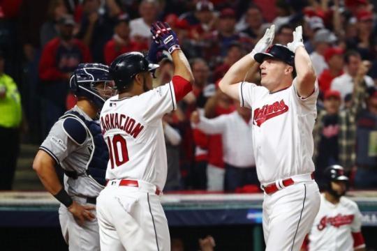 Jay Bruce fue el catalizador den ofensiva de los actuales campeones de la AL, Cleveland Indians. Yahoo Sports.com.