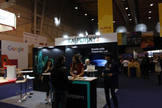 Stand da Kaspersky a marcar presença