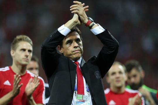 Gareth Bale urges Chris Coleman not to quit Wales after World Cup ... - thesun.co.uk