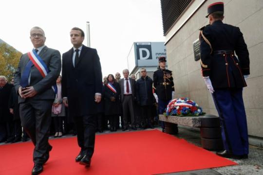 Macron entame au Stade de France la cérémonie d'hommage aux ... - liberation.fr