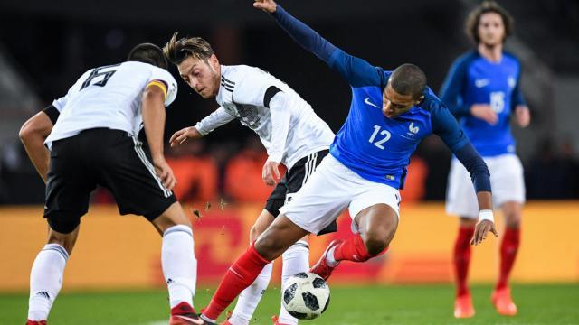 La France et l'Allemagne se neutralisent - francetvinfo.fr