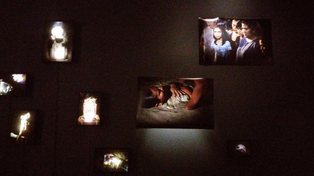 Algunas salas del Centro de la Imagen nos asoman a la identidad del credo.