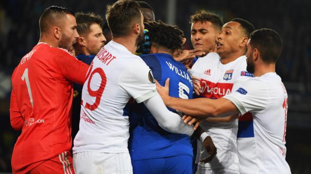 Les images de violence à l'intérieur du stade avait choqué les observateurs. (DR)