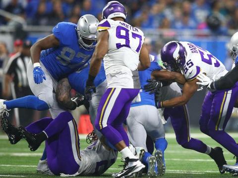 Everson Griffen y Anthony Barr volvieron a ser pilares en la gran defensiva de Minnesota. Vikings.com.