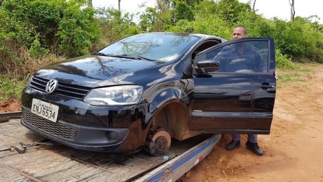 Carro da jovem desaparecida após dar carona que combinou por WhatsApp