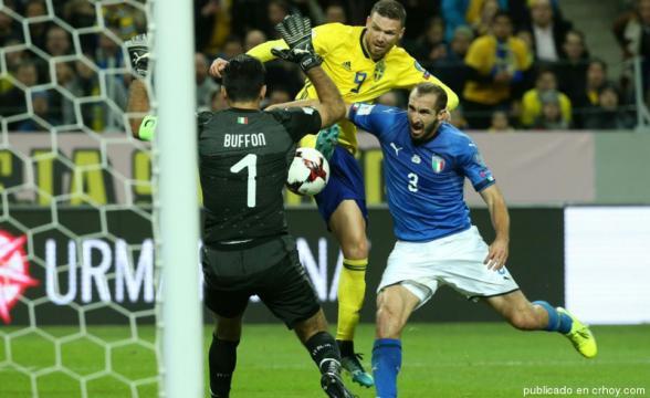 Gianluigi Buffon está en peligro de no jugar su 5ta Copa del Mundo. Crhoy.com.